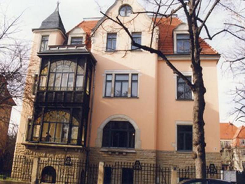 Wohn- und Geschäftshaus Beilstraße 21, Dresden,  1 Gewerbe- und 4 Wohneinheiten