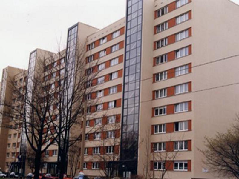 Plattenbau - Mehrfamilienhaus Gerokstraße 24-28,  120 Wohneinheiten