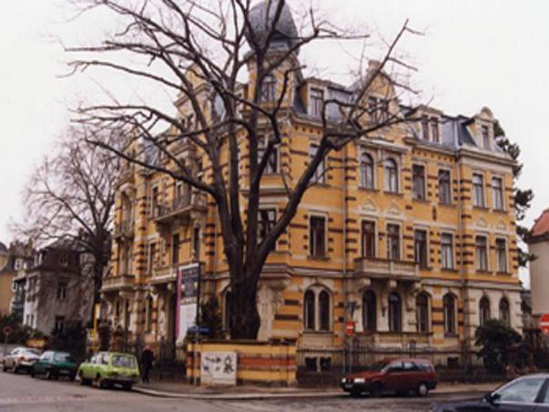 Wohnhaus Niederwaldstraße 37,  Dresden, Löwenkopf Palais,  10 Wohneinheiten